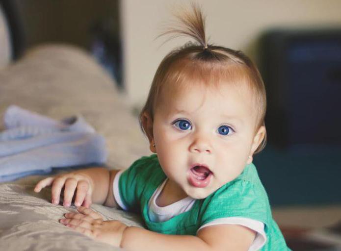 И тем не менее есть примерный список того, чему ваш малыш уже должен был научиться за 9 месяц жизни.